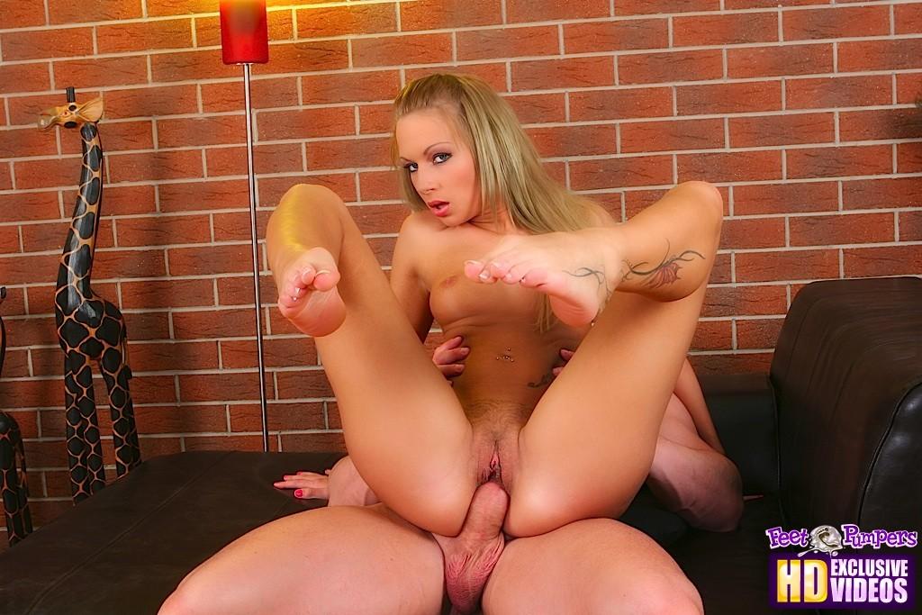 Красивые ножки - Порно галерея № 2975460
