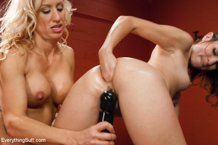Amber Rayne, Zoey Portland - Дырки - Порно галерея № 3410566