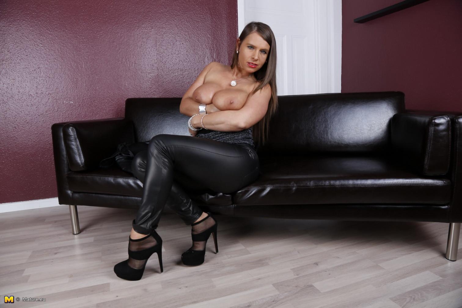Немецкое - Порно галерея № 3509230