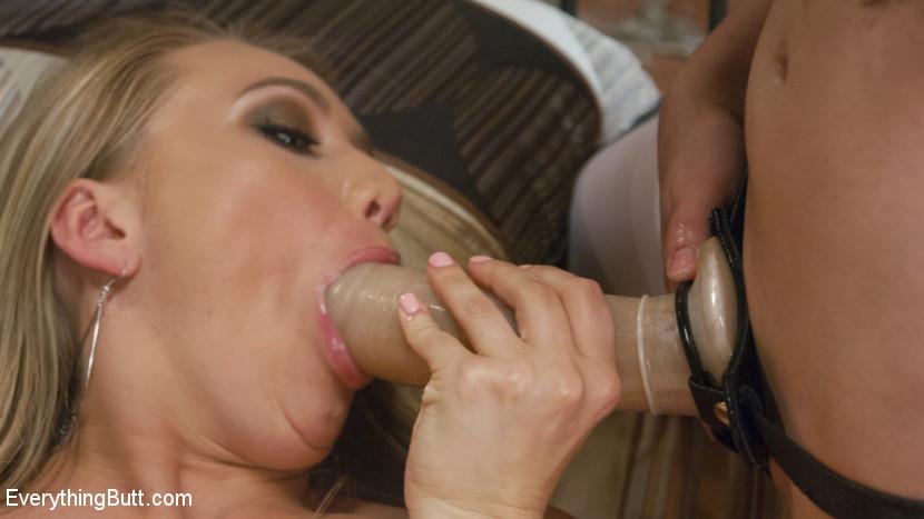 Aj Applegate, Casey Calvert, Cheyenne Jewel - Дырки - Порно галерея № 3469381