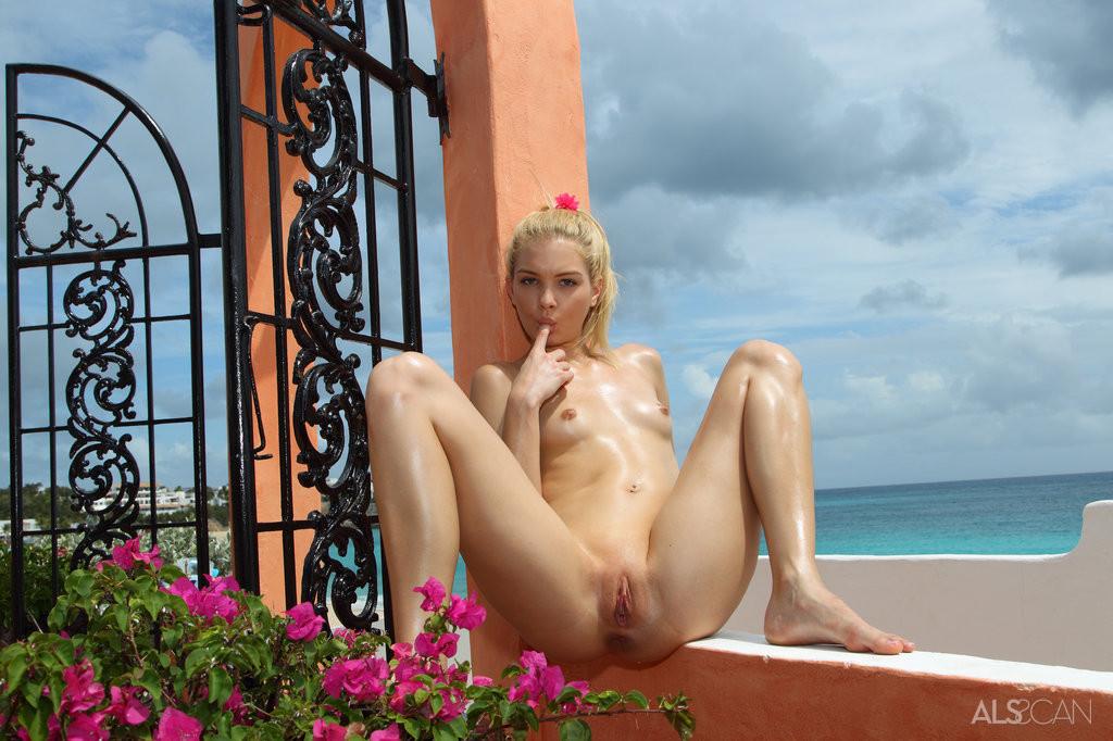 Franziska Facella - Гибкие - Порно галерея № 3327037