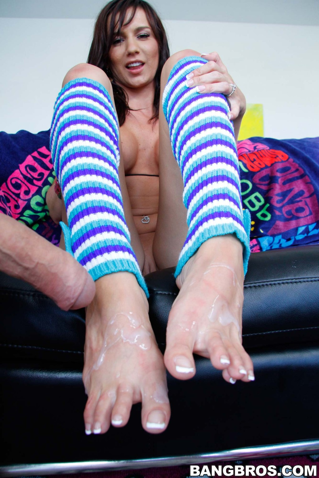 Carina Roman - Дрочит ножками (футджоб) - Галерея № 3285909