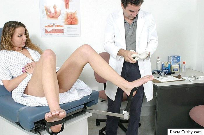 Смотреть фото девушек у врача или доктора