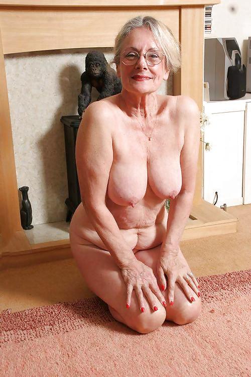 Пожилые женщины испытывают сексуальное влечение