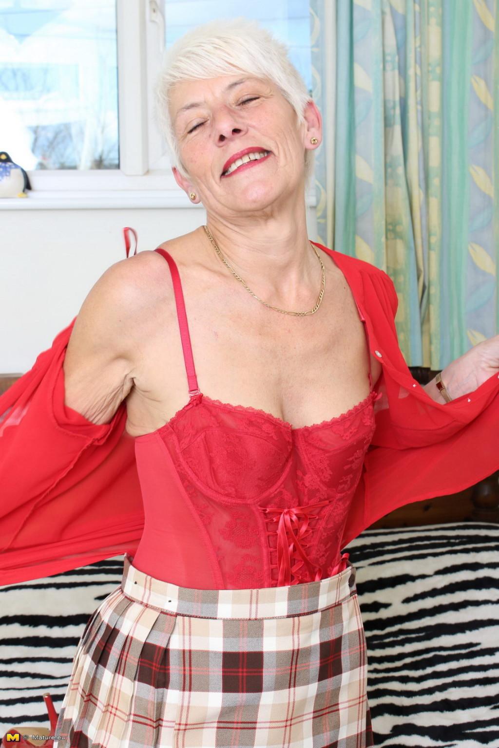 Порно фотки волосатые старушки 7