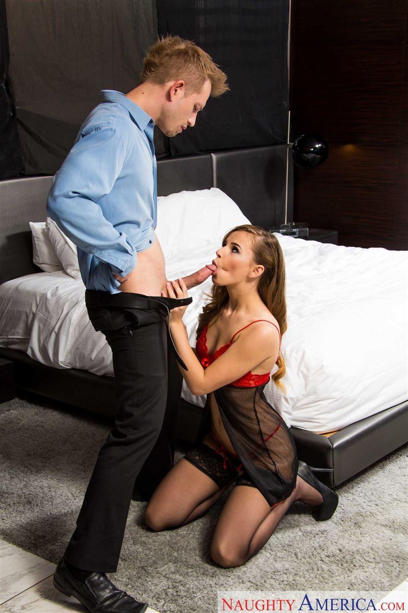 Приняв джакузи Jillian Janson дает в жопу богатому мужчине в дорогой гостинице
