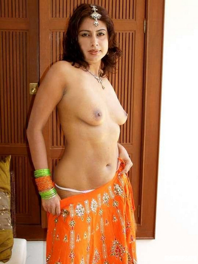 desi bhabhi sexy saree striping photos № 45405