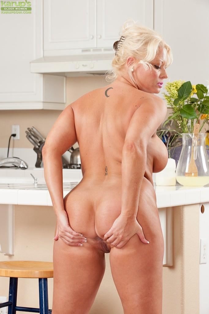 Roxie Doll - На кухне - Галерея № 3410803