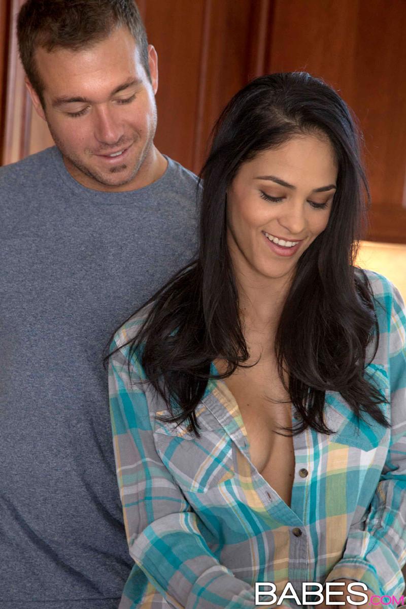 Jasmine Caro, Chad White - На кухне - Порно галерея № 3427237