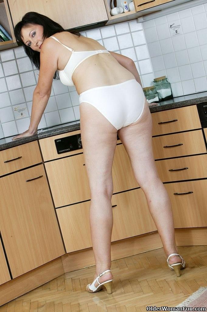 На кухне - Порно галерея № 3416307