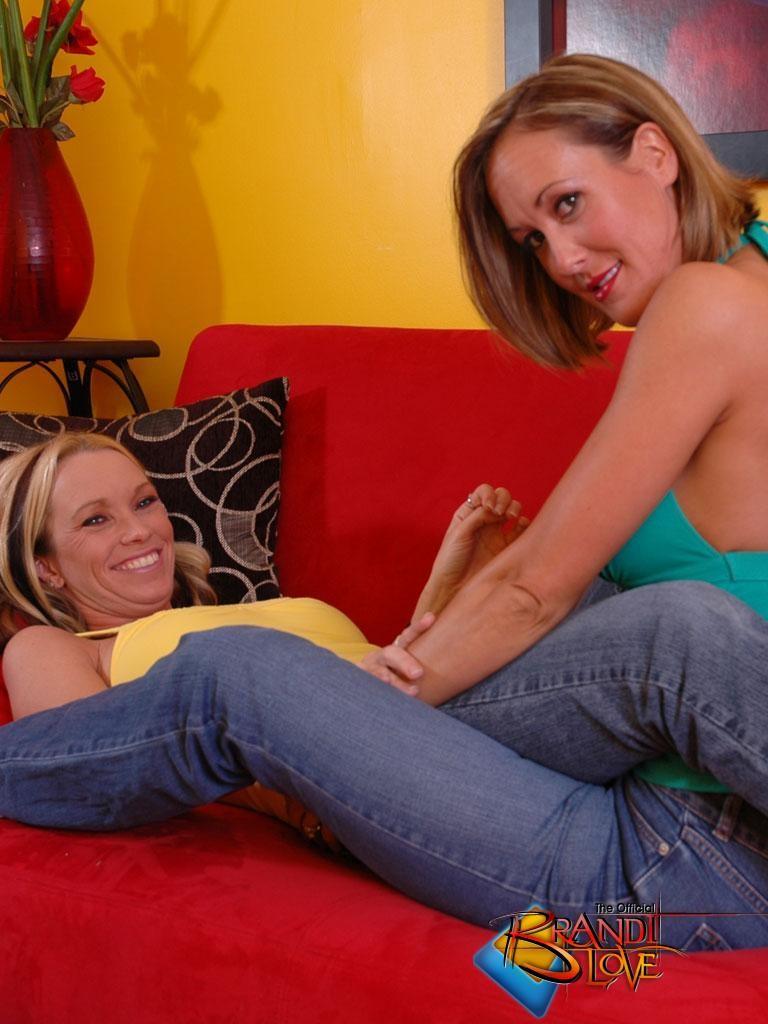 Brandi Love - Джинса - Порно галерея № 3501085