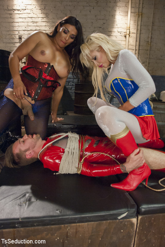 Courtney Taylor, Vaniity, Will Havoc - Латекс - Порно галерея № 3430106