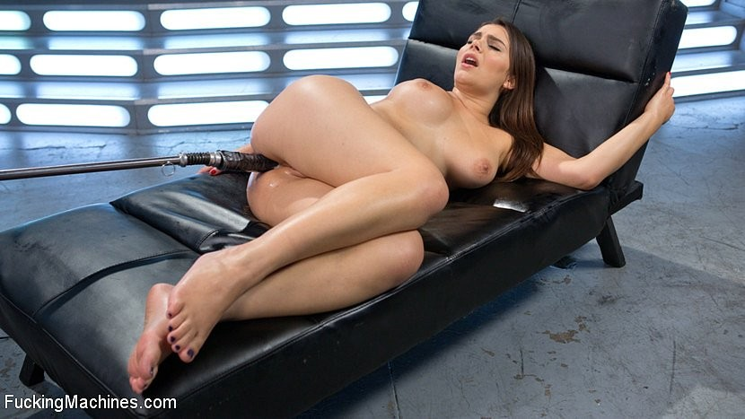 Valentina Nappi - Секс машина - Порно галерея № 3504090