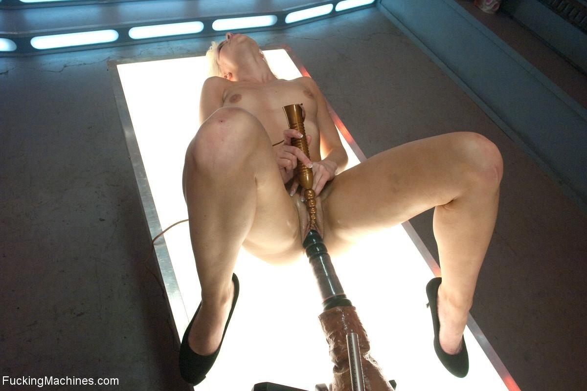 Anikka Albrite - Секс машина - Порно галерея № 3435093