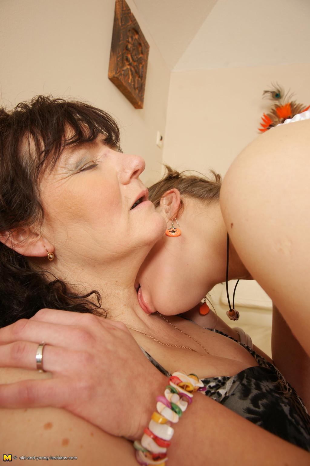 Лесби - Порно галерея № 3550132