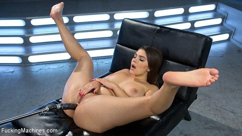 Valentina Nappi - Секс машина - Галерея № 3504090