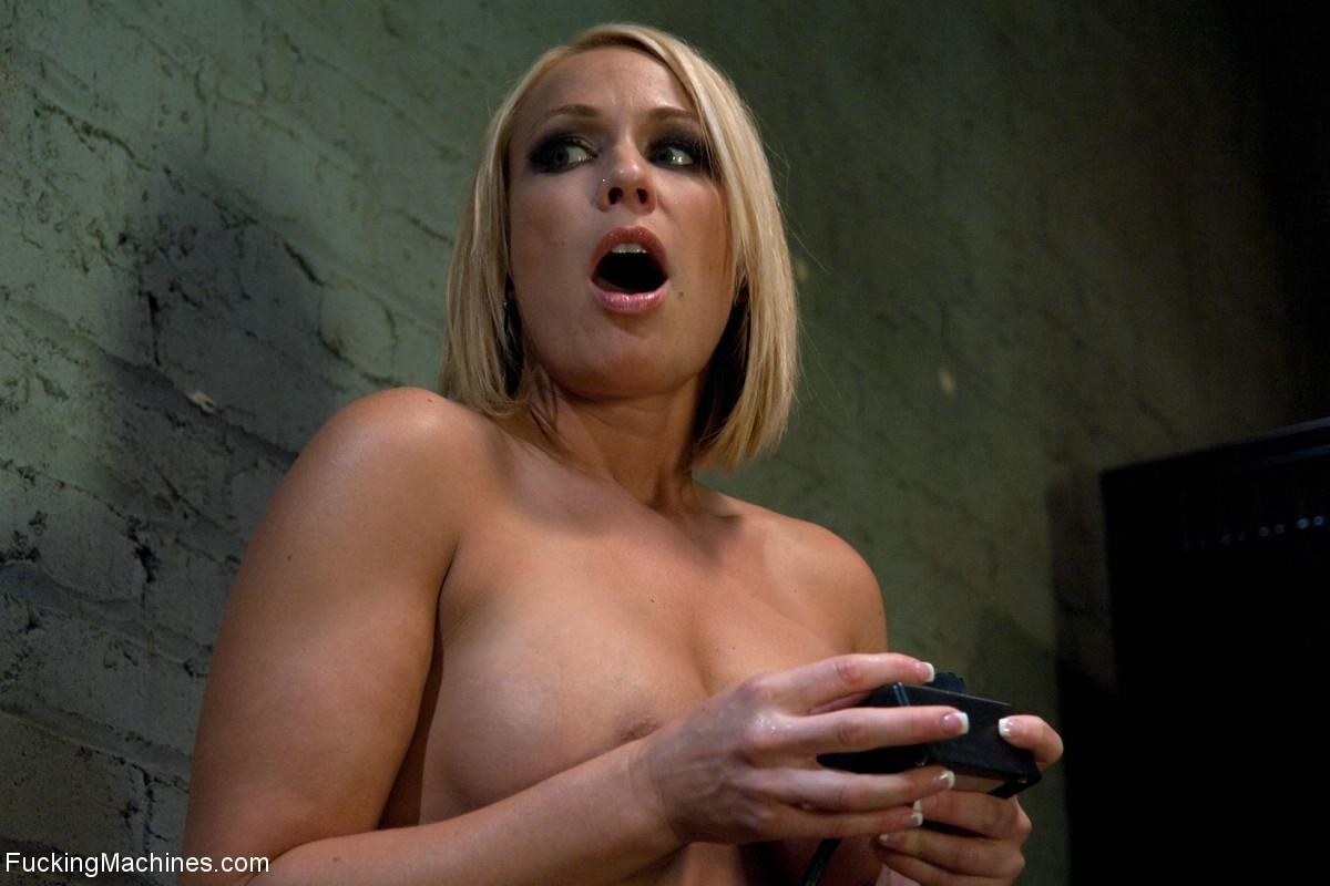 Jessi Palmer, Mellanie Monroe - Секс машина - Галерея № 3436272