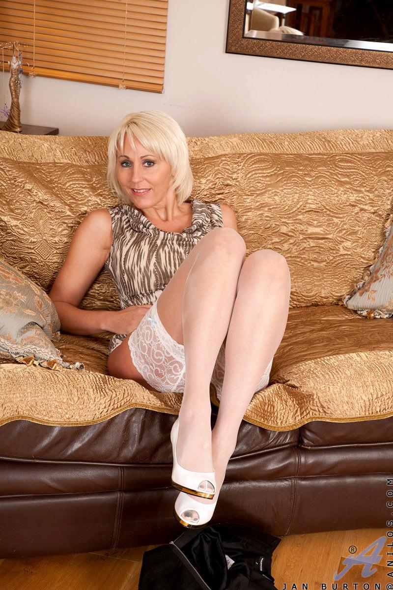Зрелая женщина - Порно галерея № 3491604