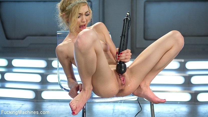 Секс с Энжел у бассейна порно фото