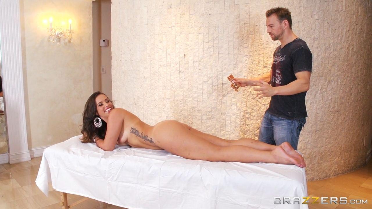 Kelsi Monroe кайфанула на массаже