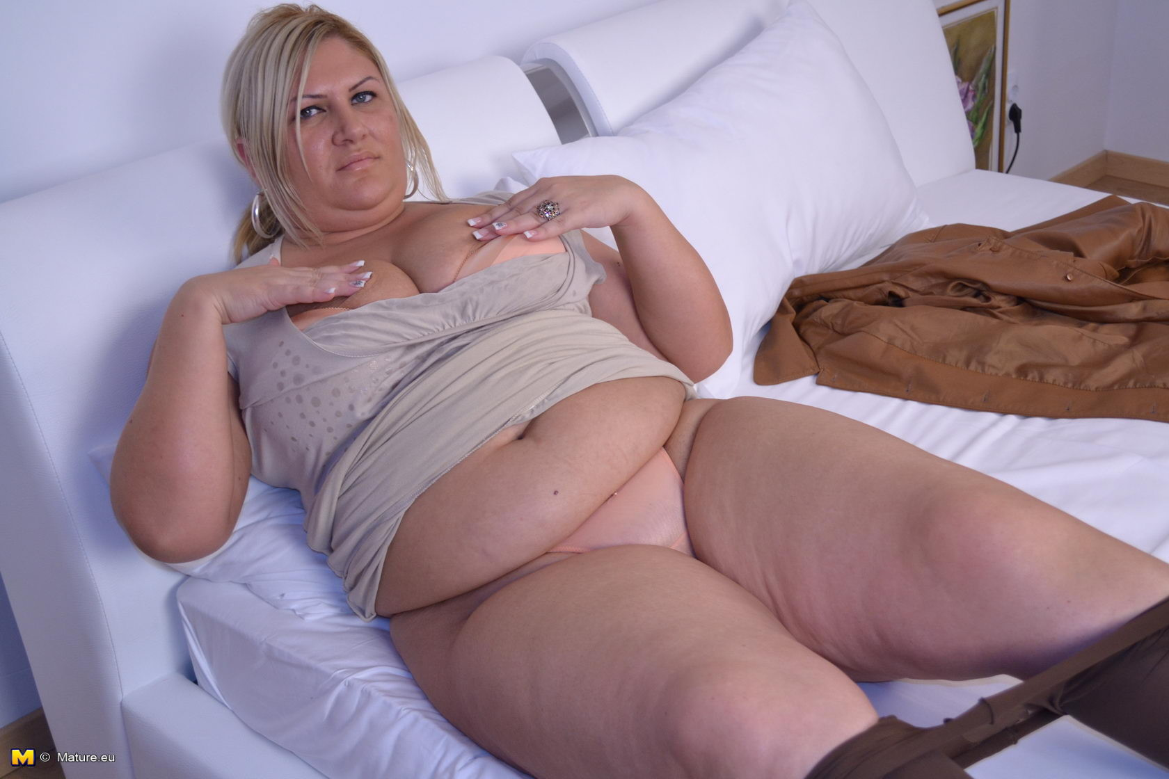 Зрелая женщина - Галерея № 3551398