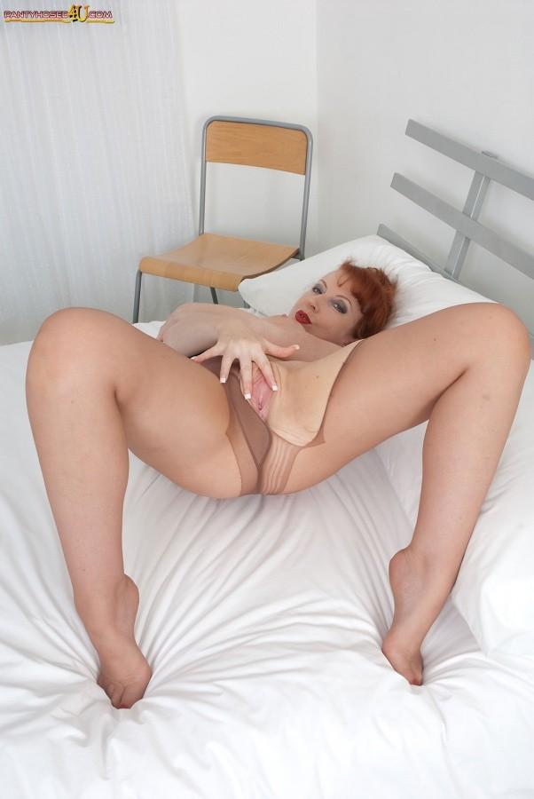 Red Xxx - В колготках - Порно галерея № 3487403