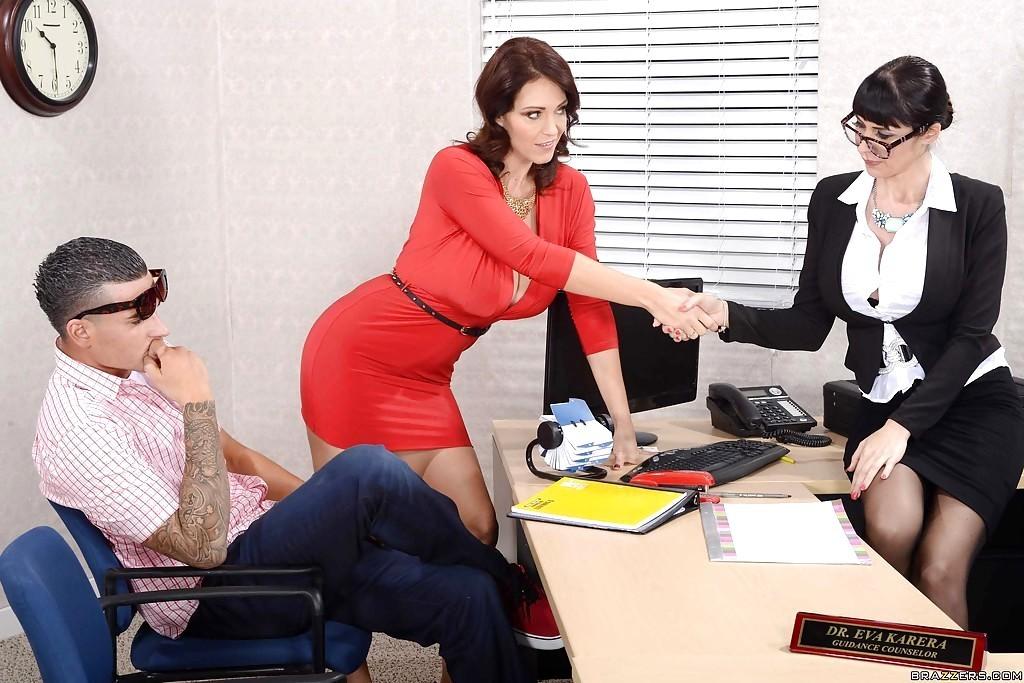 Charlee Chase, Eva Karera - В офисе - Порно галерея № 3626596