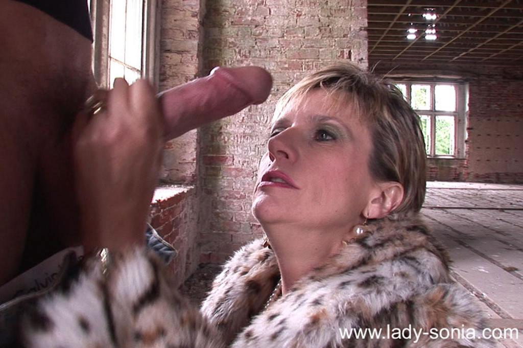 Lady Sonia - В колготках - Порно галерея № 3223740