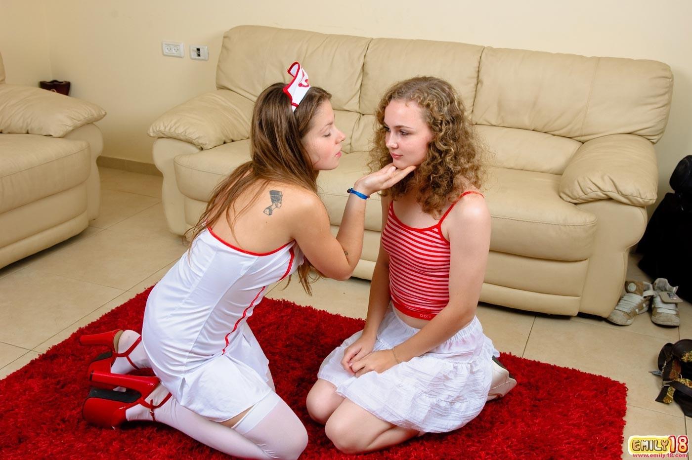 Emily - Медсестра - Порно галерея № 2553238