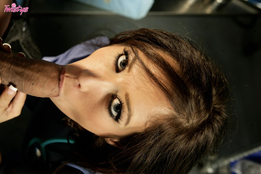 Capri Cavalli - Медсестра - Порно галерея № 2725923