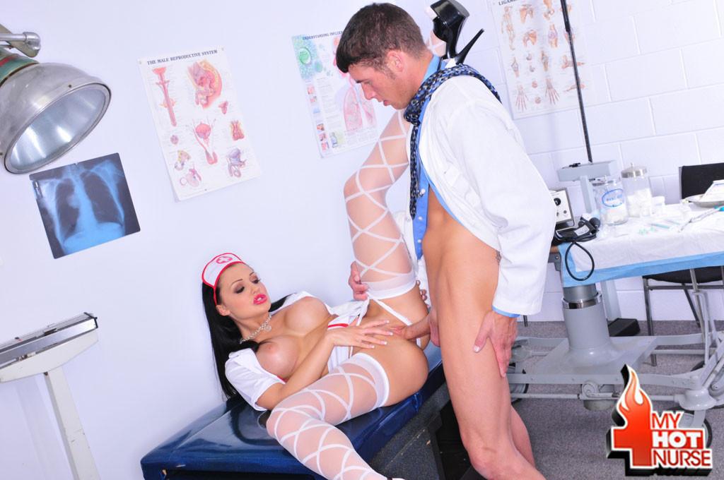 Медсестра - Порно галерея № 2566080