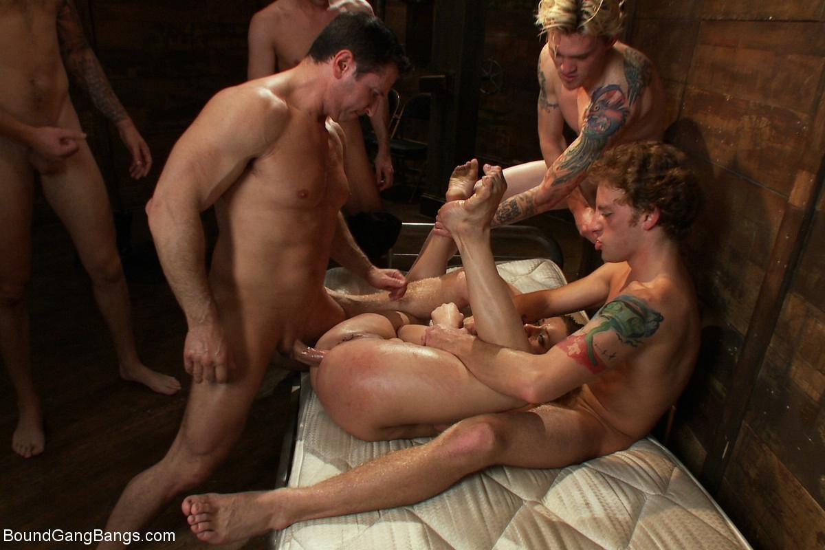 Ashlynn Leigh, James Deen - Вечеринка - Порно галерея № 3417279