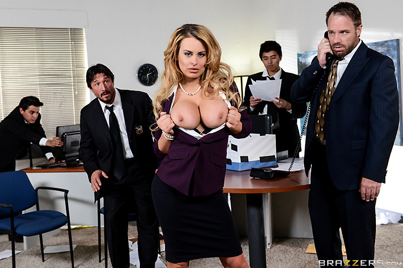 В офисе - Порно галерея № 3523531