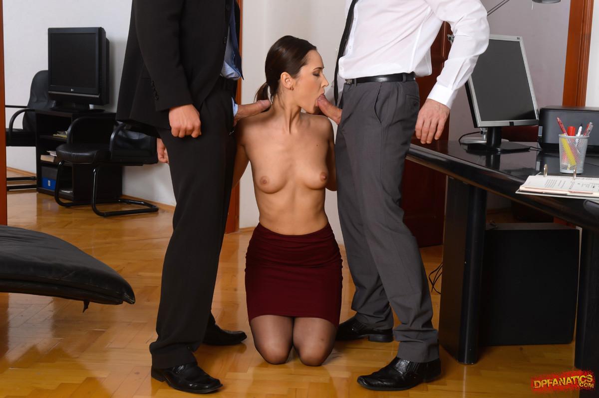 Порно на собеседование в офисе