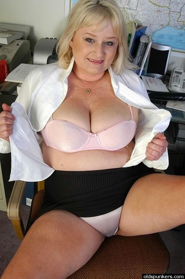 Галереи порно фото в офисе