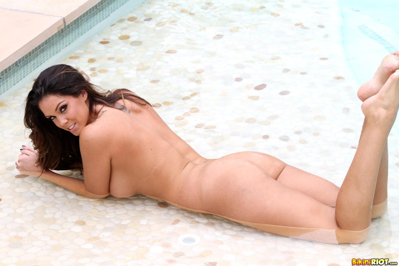 Alison Tyler - В бассейне - Порно галерея № 3409158