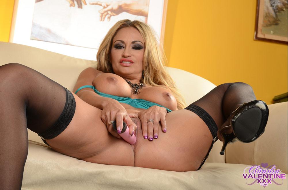 Claudia Valentine - Пирсинг - Порно галерея № 3187145