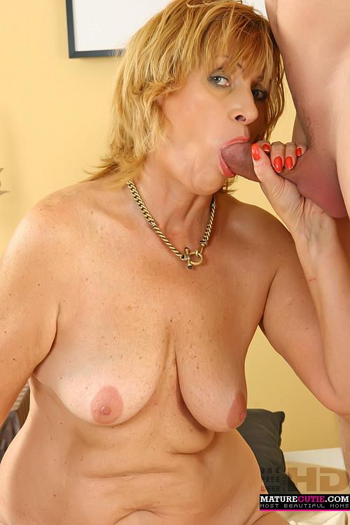 Висячие сиськи - Порно галерея № 3140763