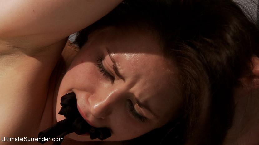 Sarah Shevon, Izamar Gutierrez - Публичное - Порно галерея № 3318973