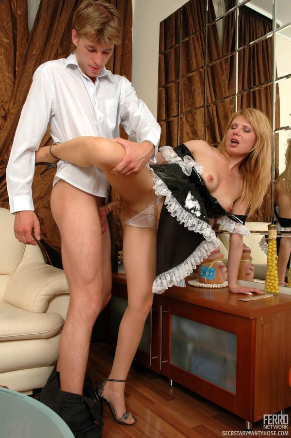 Смотреть порно семья нанимает гувернанку