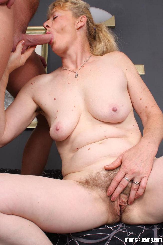Висячие сиськи - Порно галерея № 3411617