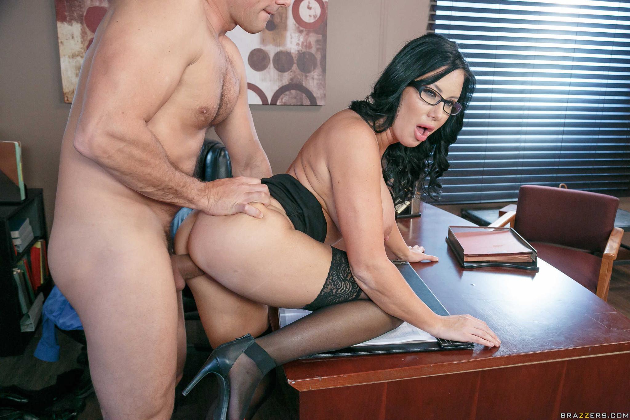 Большие дойки секретарши порно онлайн 12