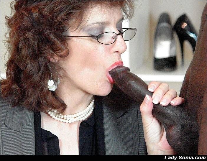 Lady Sonia - Секретарша - Порно галерея № 3413720
