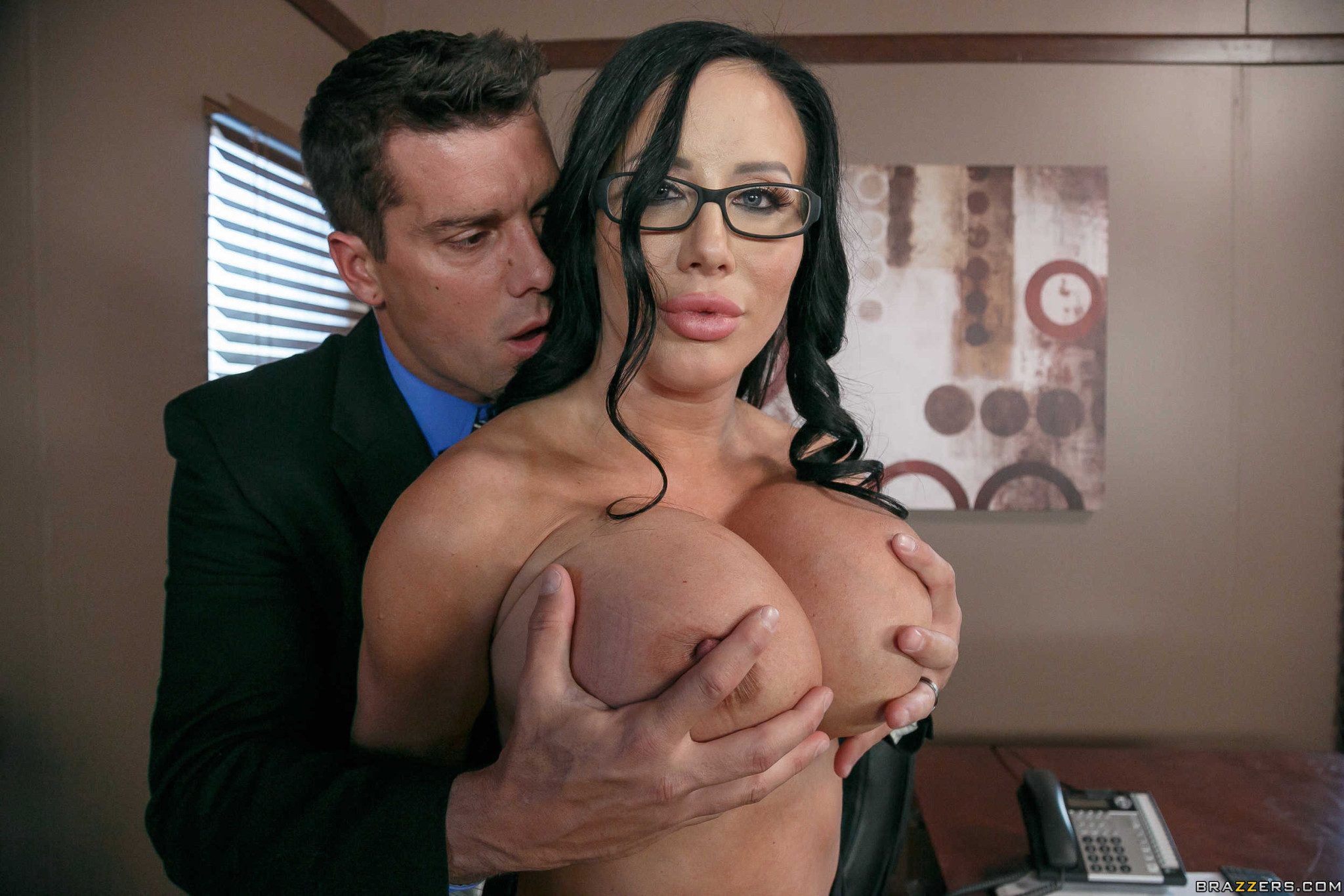 Большие дойки секретарши порно онлайн, в загорелый зад порно