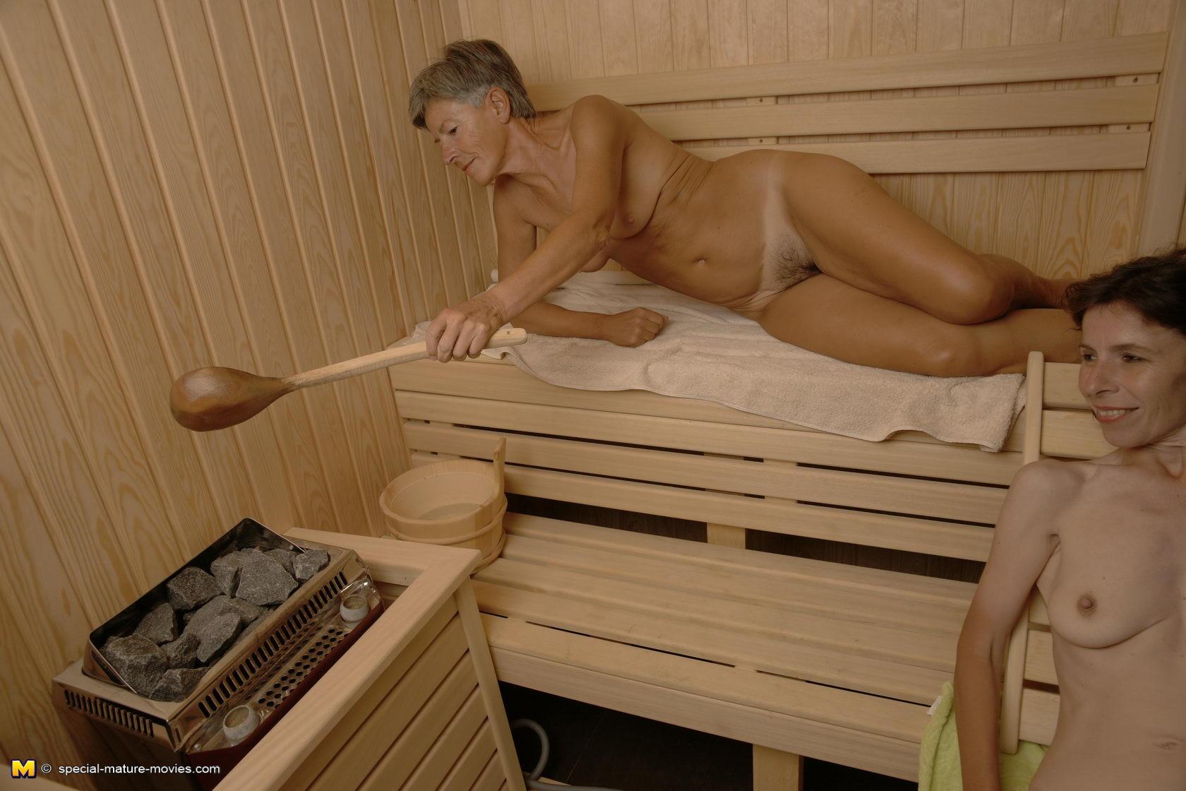 video-golih-bab-v-saune
