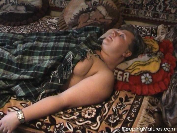 Тёщи голой фото спящей