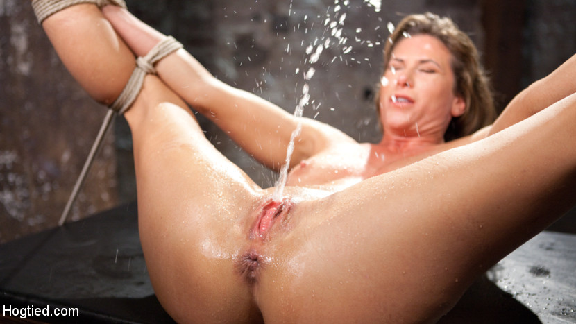 Nadia styles solo squirt