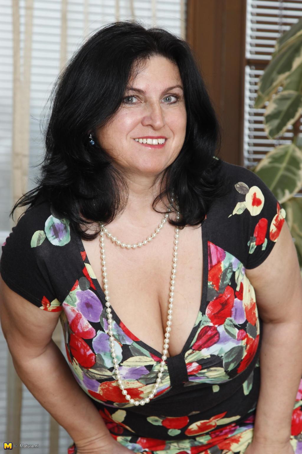 В чулках - Порно галерея № 3548216