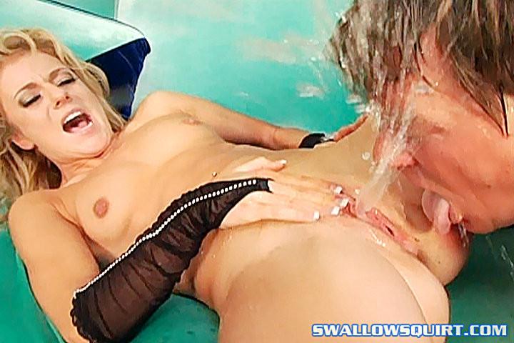 Супер сквиртинг порно видео, смотреть видео скрытая камера в женском душе фитнес клуб
