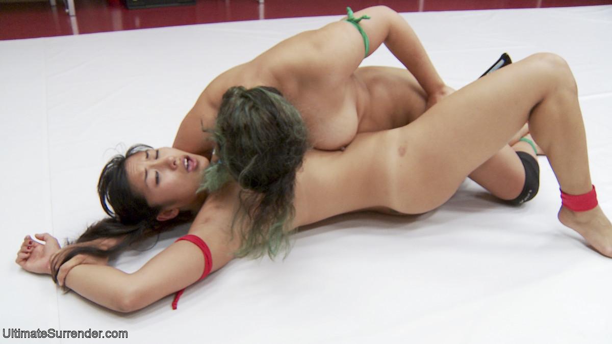Penny Barber, Mia Li - Страпон - Порно галерея № 3505255